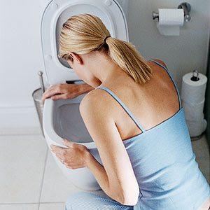 Koji su simptomi i uzroci i šta preduzeti kod povraćanja?
