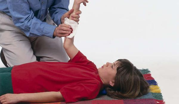 Spoljašnje krvarenje (kapilarno, vensko i arterijsko krvarenje)